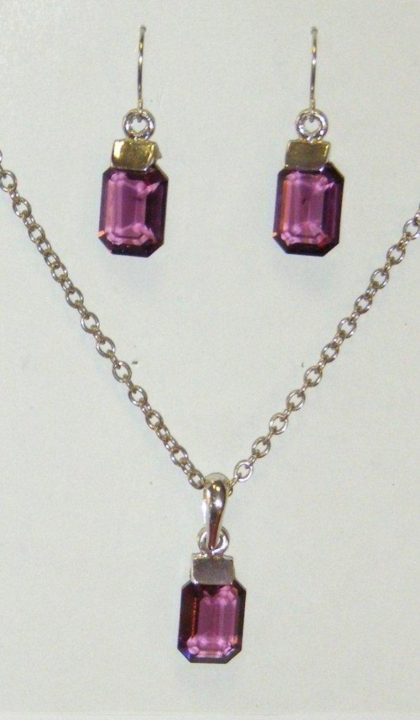 completo collana con catena in metallo colore argento e orecchini in cristallo