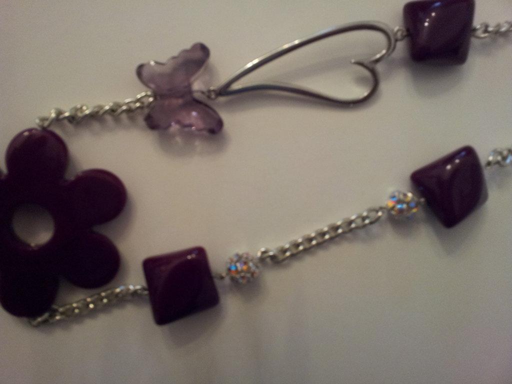 collana pendente fiore e perle melanzana
