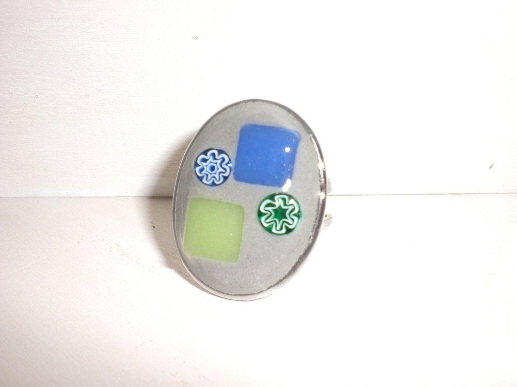 Anello in mosaico di vetro