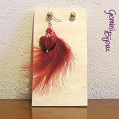 Orecchino singolo piuma rossa