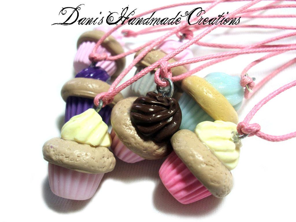 Ciondoli cupcake in fimo con cordino cerato rosa