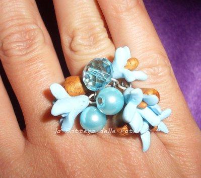 anello con ciondoli