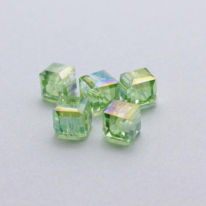 4 cristalli cubo verdi 6mm