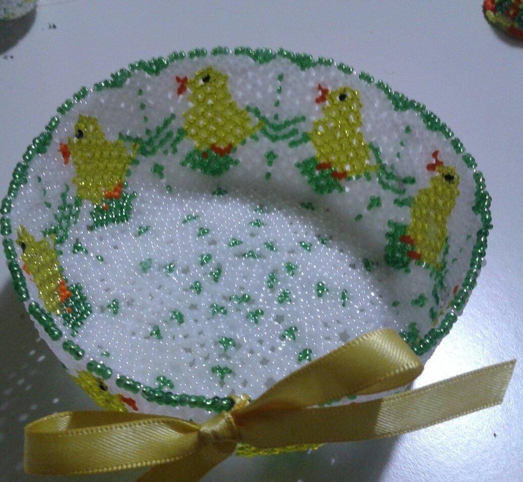 ciotola di perline pulcini