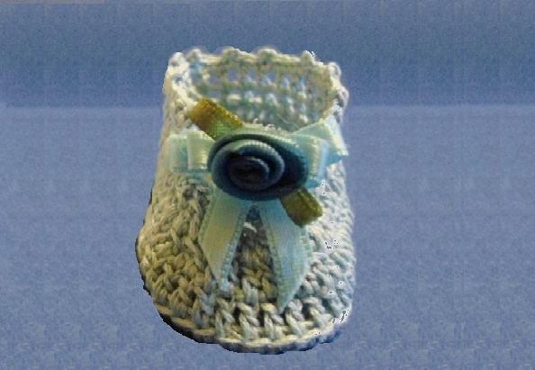 Bomboniera  Battesimo scarpina azzurra all'uncinetto