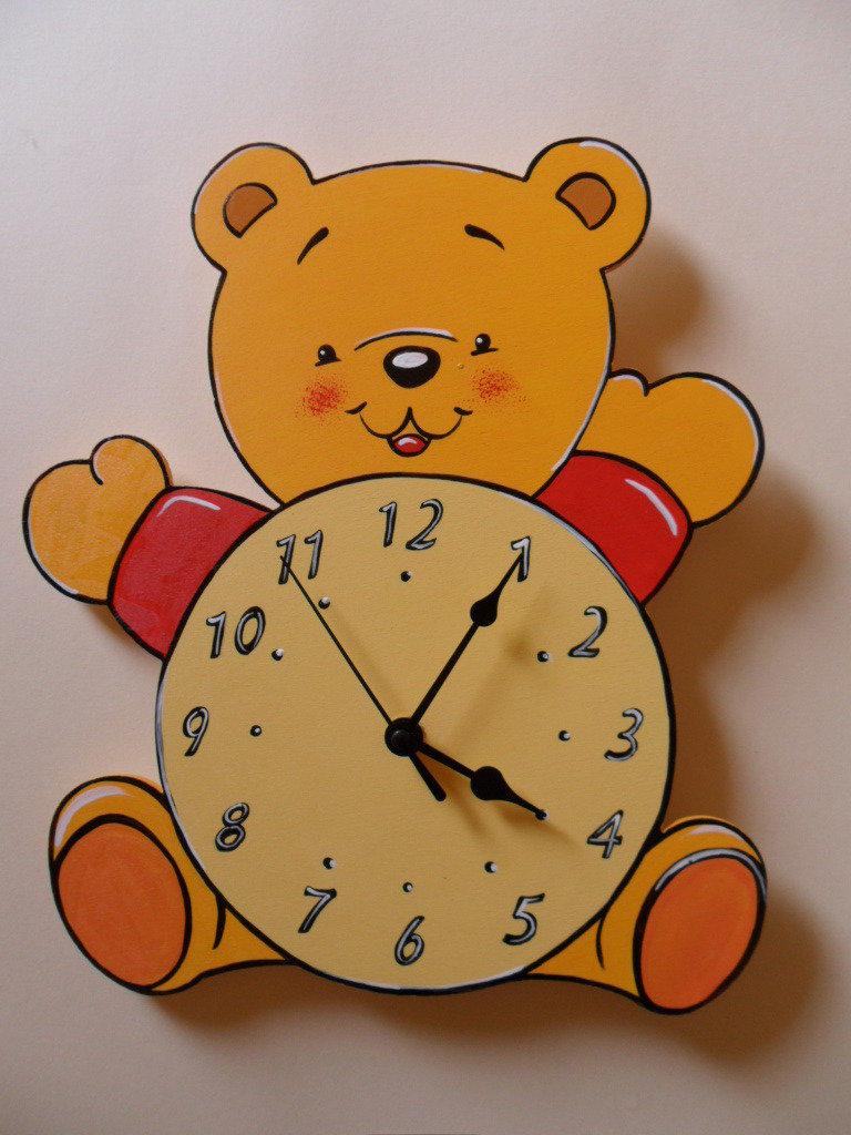 Orologio orsetto in legno decorato a mano