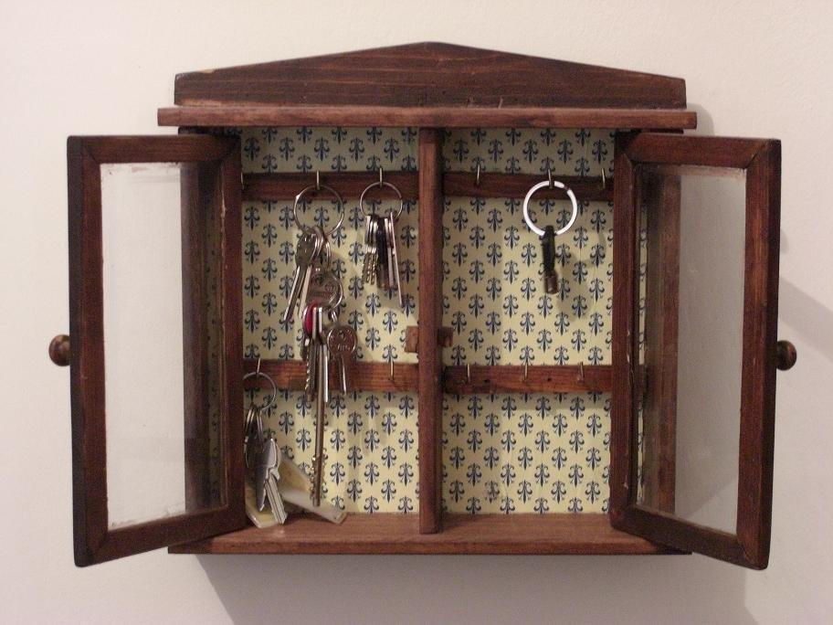 Vetrinetta portachiavi in legno per la casa e per te - Vetrinette per cucina ...