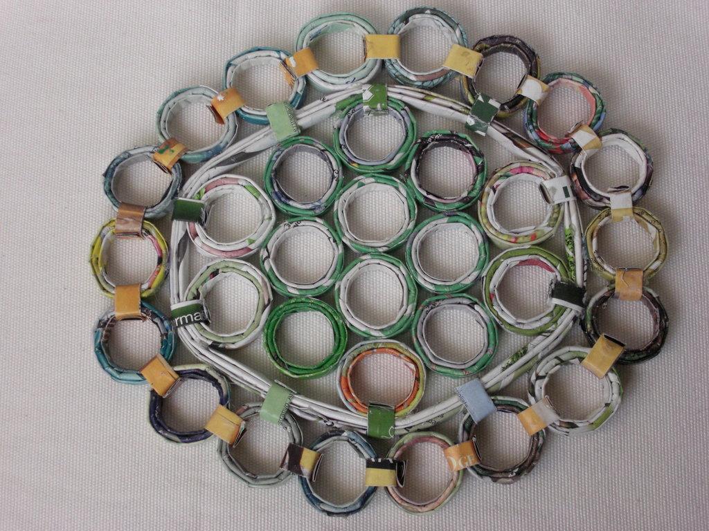 Sottopentola ovale ecologico in carta riciclata 23cm x 20cm