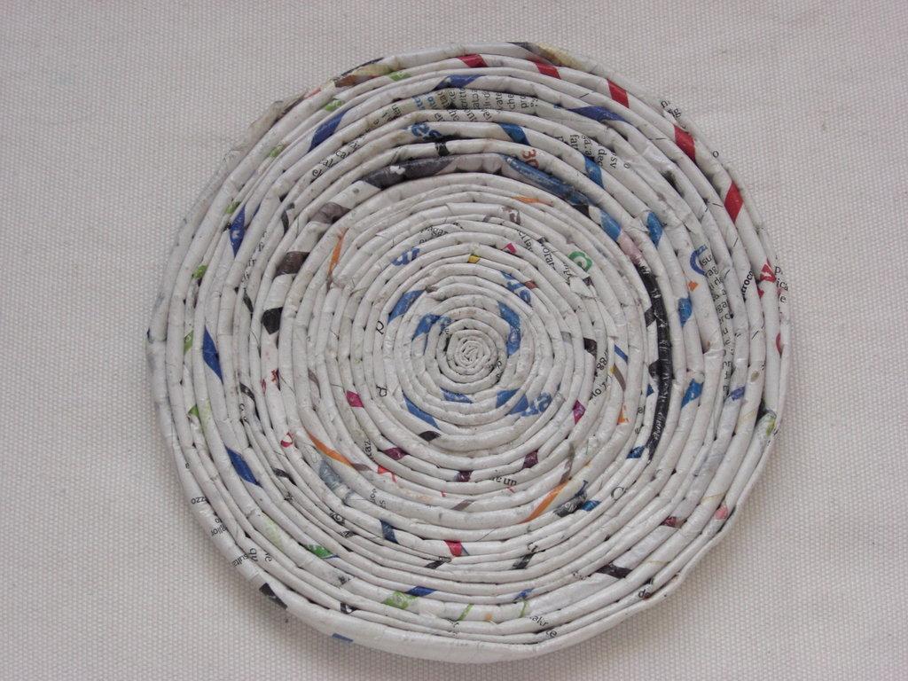 Sottopentola ecologico rotondo in carta riciclata 16cm