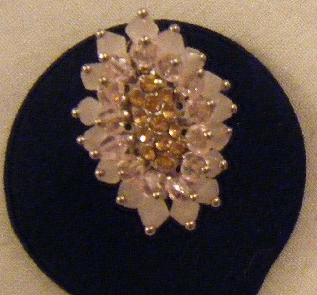 anello regolabile colore argento,perline in cristallo,quarzo rosa e strass