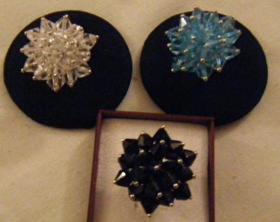 anello regolabile colore argento e cristalli,disponibili colore cristall,azzurro e nero