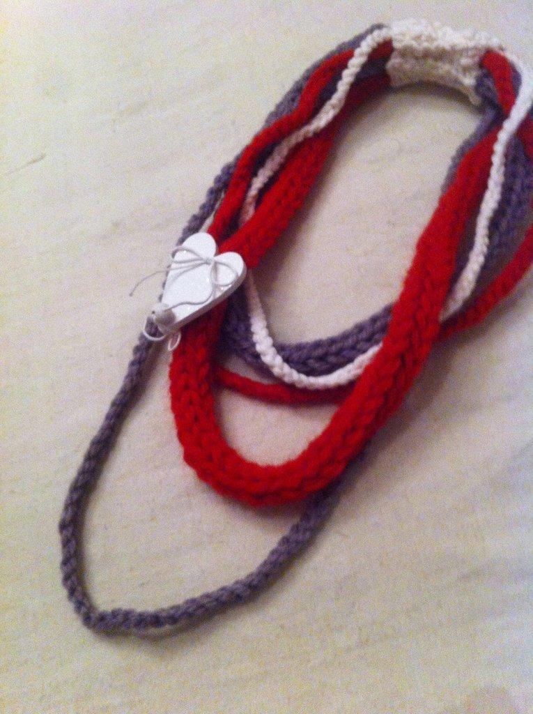 My Valentine-Collana in lana con decorazione