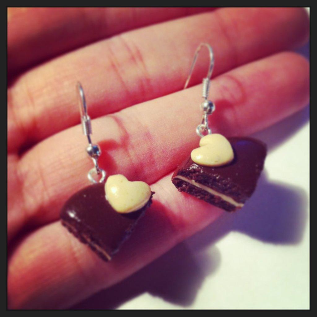 orecchini con torta di san valentino