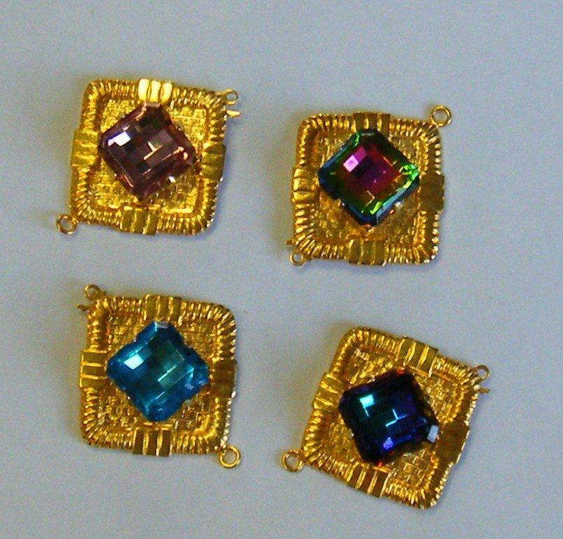 chiusura in metallo dorato e cristallo disponibili diversi colori
