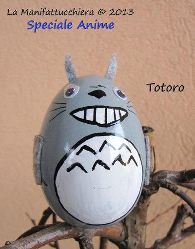Totoro grigio, uovo decorato