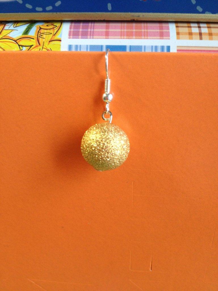 Orecchino perle diamantate color oro