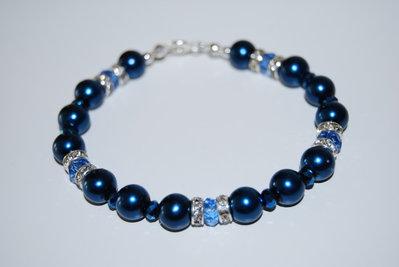 Bracciale con perle blu, cipollotti e strass