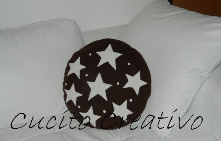 Cuscino a forma di biscotto