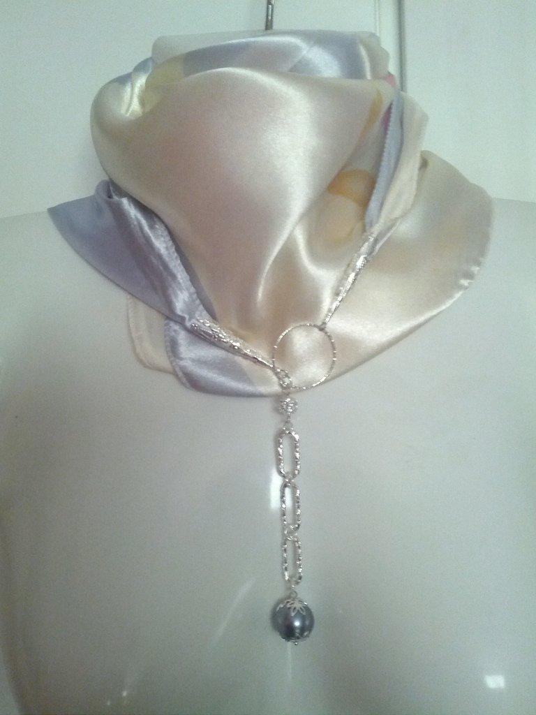 foulard gioiello con acciaio, perle e filigrana