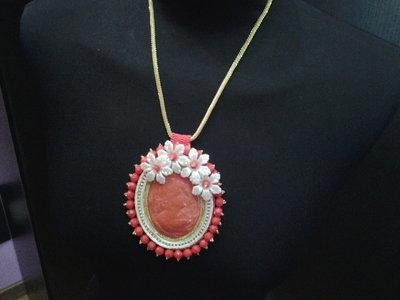 collana embroidery