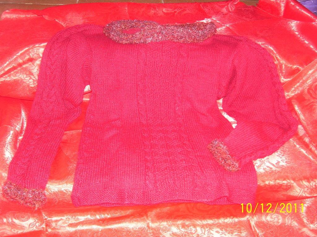 maglione fatto interamente a mano