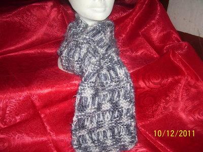 sciarpa fatta interamente a mano