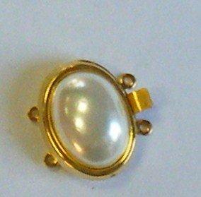 chiusura a 2 e a 3  fili in metallo dorato e perla bianca , cabochon