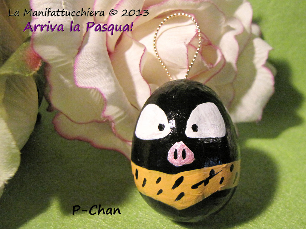 P-Chan, uovo decorato da appendere