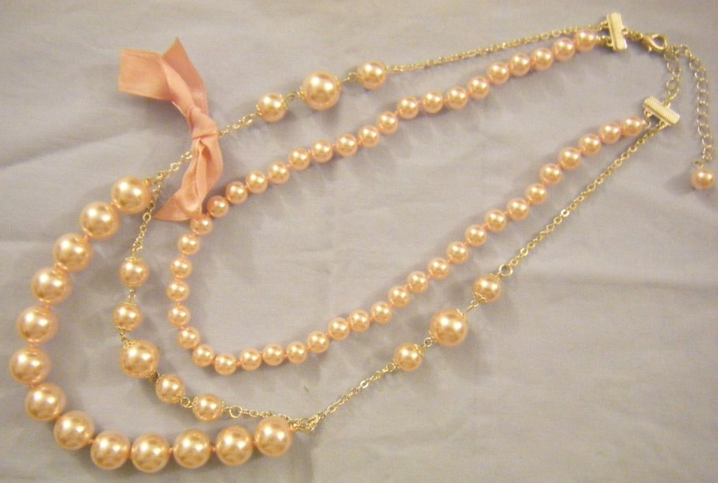 collana a 2 giri, con perle in vetro colore rosa e catena,fatta a nodi