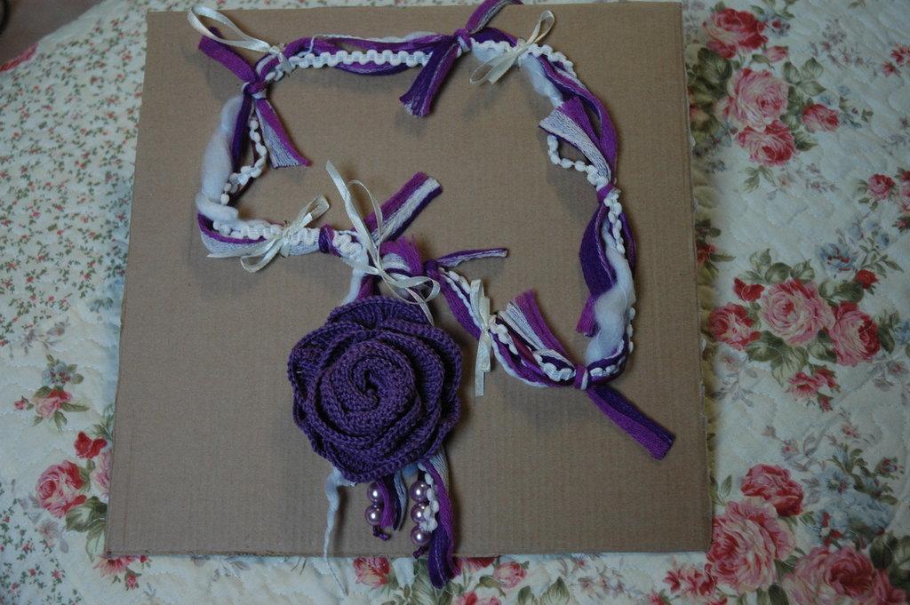 collana fiore viola - bianca
