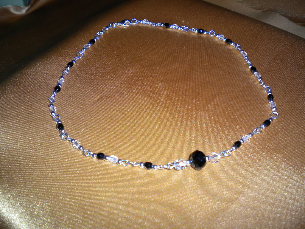 girocollo con pietre nere stile rosario fatto a mano