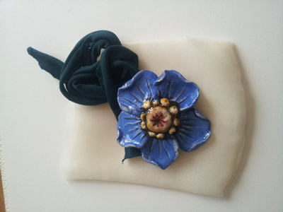 ciondolo fiore blu