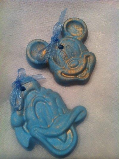 topolino e paperino in gesso