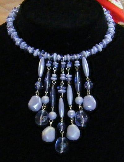 collana ,collarino con perline viola e pendenti