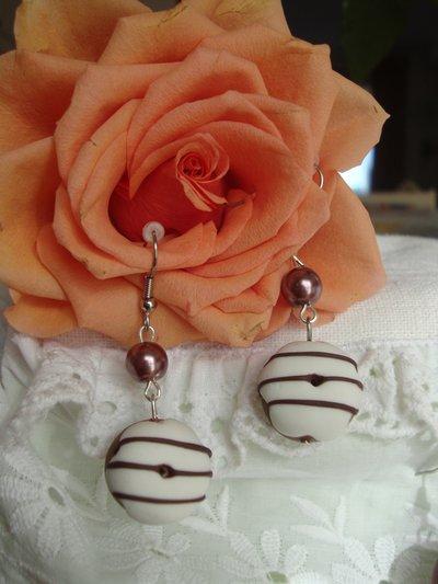 Ciambelline orecchini con perla marrone