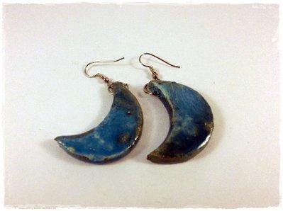 Orecchini raku Luna Azzurri realizzati a mano