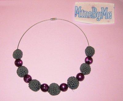 girocollo sfere in cotone grigio e perle viola