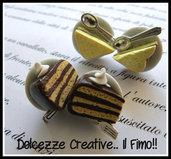 ★★SALDI Orecchini Piatto con Fetta di Torta al cioccolato e forchetta