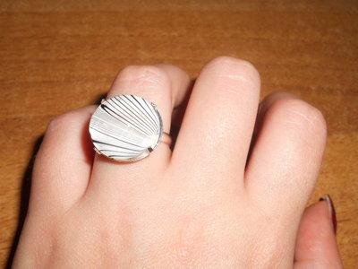 anello con madreperla bianca