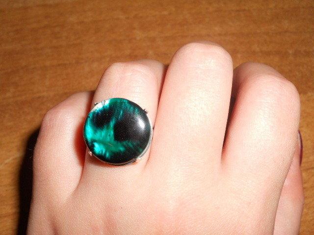 anello con madreperla verde