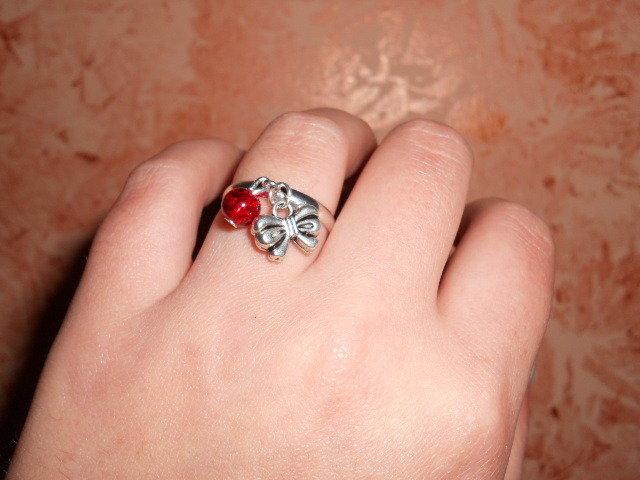 anello con fiocco e craker fucsia
