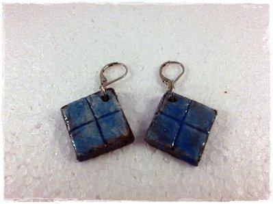 Orecchini raku rombi Azzurri realizzati a mano