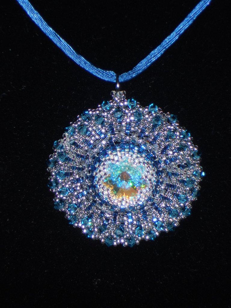 Ciondolo swarovski blu