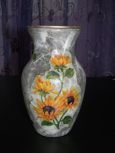 Vaso in vetro con girasoli decorato a decoupage
