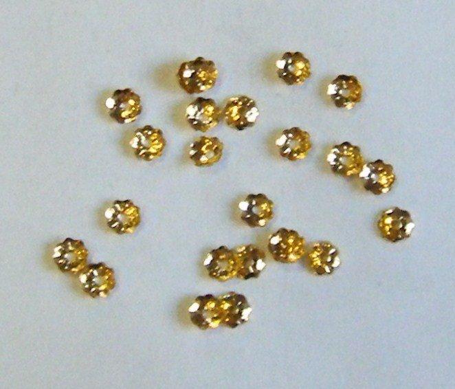 lotto 130 pezzi  coppette copriperla colore oro