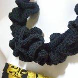 Maxi collana ruche in lana nera