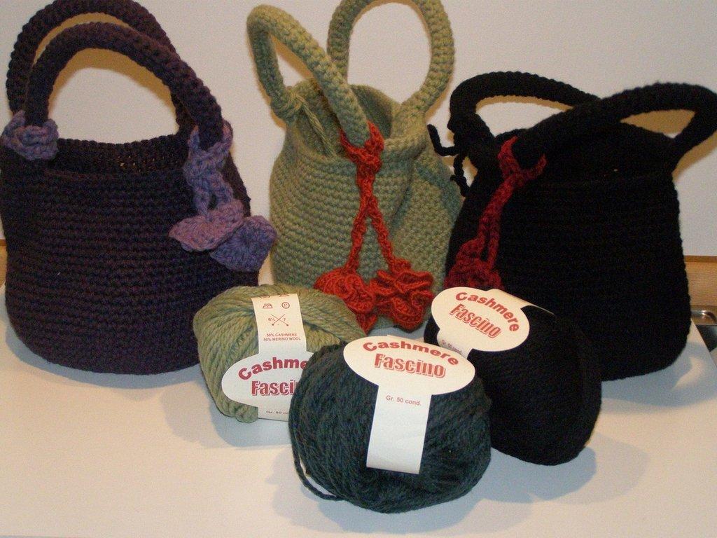 Borsa secchiello in lana
