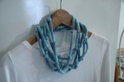 Collana in lana infinity cielo