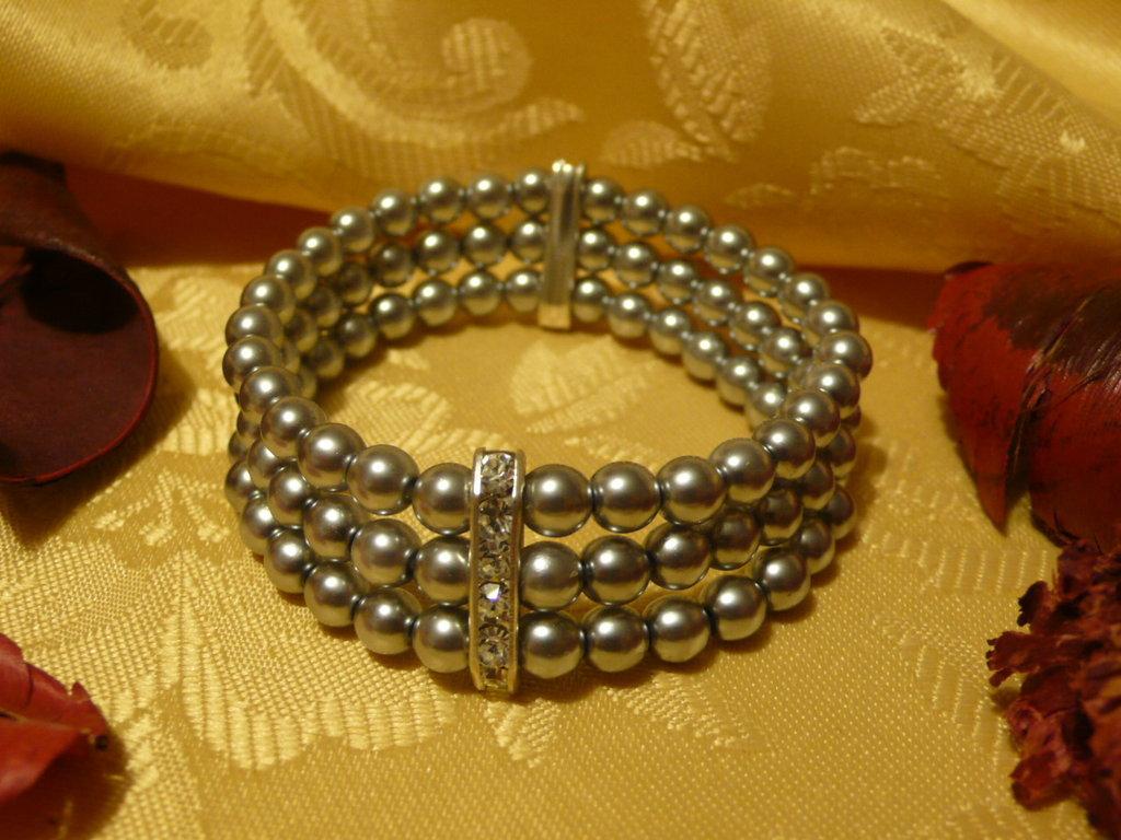 Braccciale perle argento