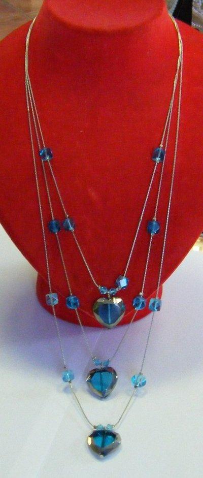 collana a 3 giri con catena e perline colore blu